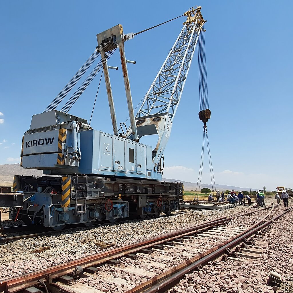 Laying railway switches